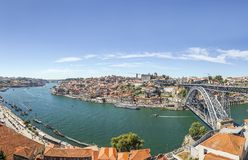 Ville étonnante de Porto avec le pont du ` s d'Eiffel, Portugal Images stock