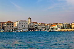 Ville adriatique de bord de mer de Vodice, Dalmatie Photo stock