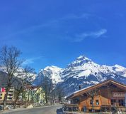 Ville alpine étrange Image libre de droits