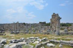 Ville antique d'Antalya Perge, l'agora, l'empire romain antique, espace vital, piliers spectaculaires et histoire Photographie stock libre de droits