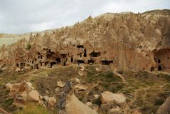 Ville antique de caverne dans Cappadocia Photo stock
