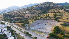 Ville antique de Halicarnassus de tir de bourdon Amphithéâtre dans la station touristique de Bodrum Longueur a?rienne Tir global clips vidéos