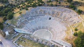 Ville antique de Halicarnassus de tir de bourdon Amphithéâtre dans la station touristique de Bodrum Longueur a?rienne banque de vidéos