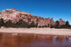 Ville antique et enrichie d'Ait Ben Haddhou dans Marocco Images libres de droits
