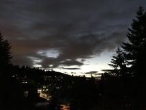 Ville avec le nuage photo stock