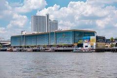 Ville Bangkok, centre commercial de rivière en Thaïlande image stock