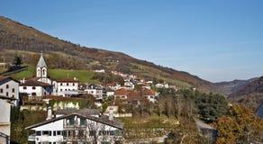 Ville Basque Luzaide en Navarre Pyrénées Photos stock