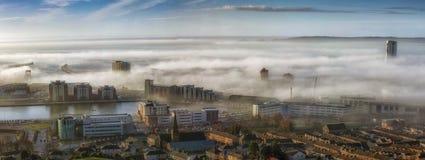 Ville brumeuse de Swansea Photographie stock