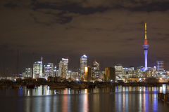 Ville CBD d'Auckland la nuit Image stock