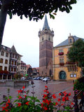 ville centrale de place d'obernai d'Alsace photo stock