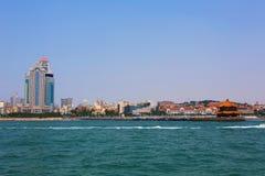 Ville chinoise de bord de la mer, Qingdao Images stock