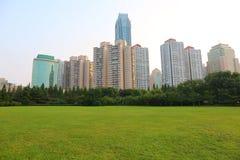 Ville chinoise de bord de la mer, Qingdao Image stock