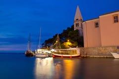 Ville d'église et de port de Veli Losinj Images libres de droits