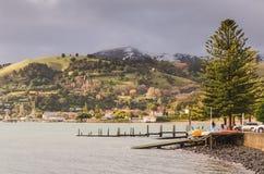 Ville d'Akaroa, Nouvelle-Zélande Image libre de droits