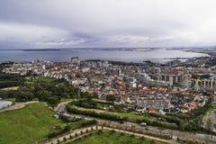 Ville d'Almada de littoral Image libre de droits
