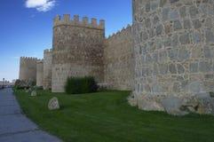 Ville d'Avila entourée par des murs Ville médiévale Murs et tours médiévaux avila Castille et Léon l'espagne photo stock