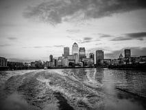 Ville d'horizon de Londres comme vu de la Tamise, Bl Images stock
