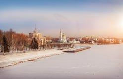 Ville dans des chaînes d'hiver Photo libre de droits