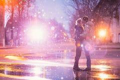 Ville de baiser d'amants de neige Photographie stock libre de droits