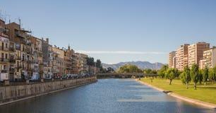 Ville de Balaguer et rivière de Segre Photo stock