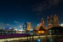 Ville de Bangkok aux scènes de nuit. Images stock