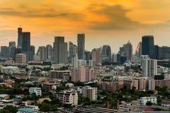 Ville de Bangkok du centre avec le ciel dramatique Photographie stock