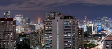 Ville de Bangkok la nuit Photo stock