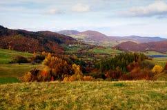 Ville de Banska Stiavnica de panorama tout près, Slovaquie photographie stock libre de droits