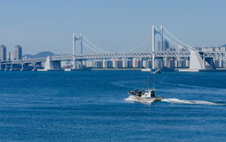 Ville de Busan et pont gwangwan dans HaeUnDae en Corée Photos libres de droits