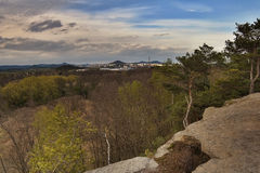 Ville de Ceska Lipa de skala de Skautska de vue de roche dans sping le kraj de Machuv de secteur de touristes photographie stock