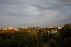 Ville de coucher du soleil Images stock