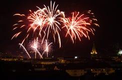 Ville de feux d'artifice de jour de bastille d'Annecy vieille image libre de droits
