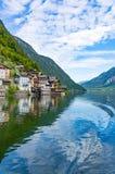 Ville de Hallstatt et lac Hallstatt Photos stock
