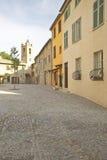 Ville de Haut de Cagnes, regardant vers l'église de St Pierre, Frances Image stock