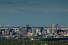Ville de haut de mille de Denver par nuit Image stock