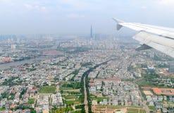 Ville de Ho Chi Minh d'avion de fenêtre Images stock