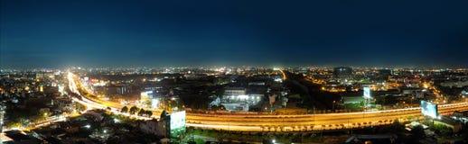 Ville de Ho Chi Minh la nuit images libres de droits