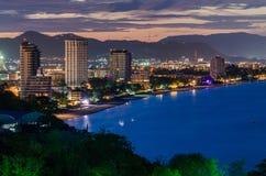 Ville de Hua Hin au crépuscule, Thaïlande Images stock