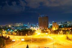 Ville de Kiev de nuit, Ukraine, la nuit du ciel images stock