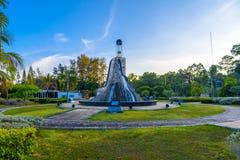 Ville de Krabi, Thaïlande, monument abstrait en parc photos libres de droits