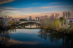Ville de l'Espagne au crépuscule photos libres de droits