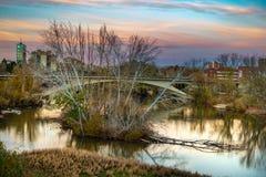 Ville de l'Espagne au crépuscule photos stock