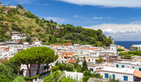 Ville de Lacco Ameno Ischions île, Italie Photos libres de droits