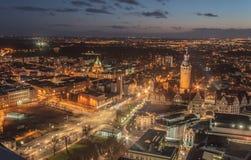 Ville de Leipzig pendant la nuit Photos stock