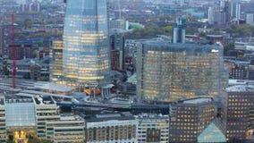 Ville de Londres, de Tamise et de tesson au coucher du soleil banque de vidéos