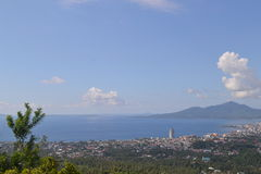 Ville de Manado de vue Photos stock