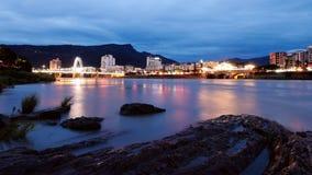 Ville de montagnes et d'eaux Images stock