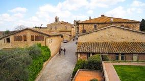 Ville de Monteriggioni avec le fond de ciel bleu photos libres de droits