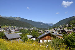 Ville de Morzine en France Photo stock