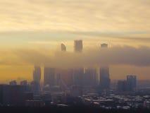 Ville de Moscou par des nuages Photographie stock
